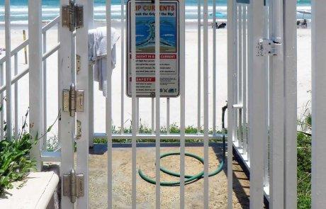 Gate-hinge-self-closing-hinge