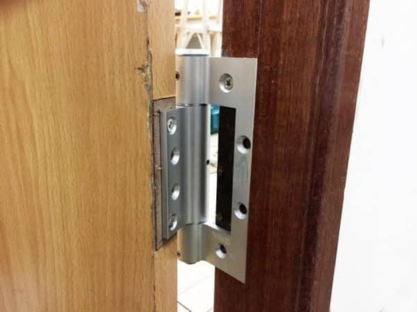 After interior door hinge installation-W41K