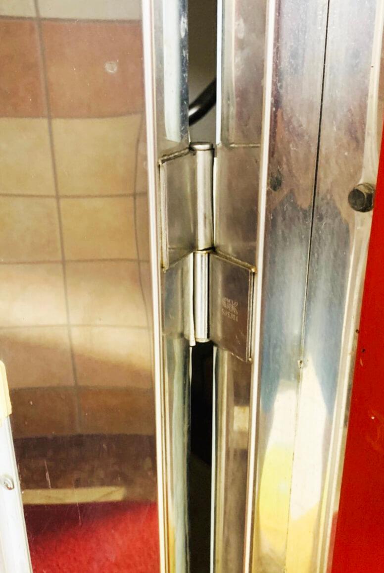 旗型鉸鏈的金屬門-2